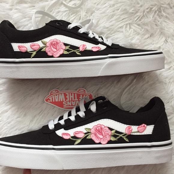 adad1cb2a4ac Pink Flower Vans